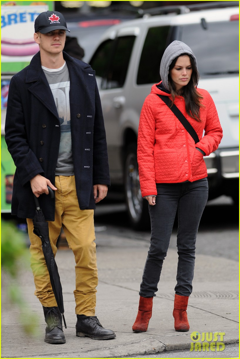rachel bilson hayden christensen soho stroll 07