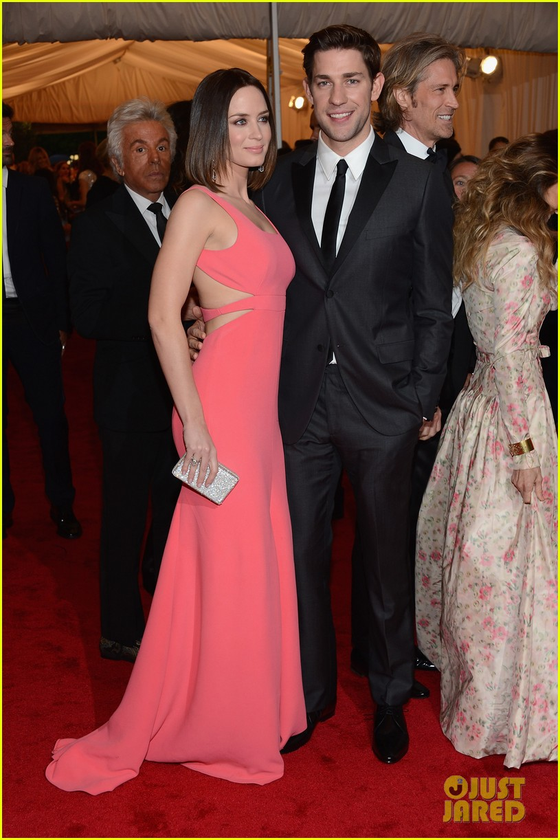 emily blunt john krasinski 2012 met ball 03