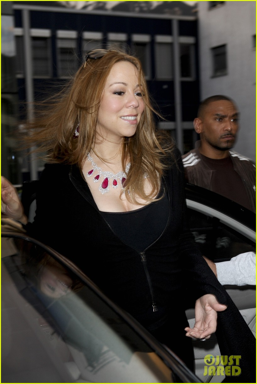 mariah carey moroccan monroe celebrate birthday in paris 05
