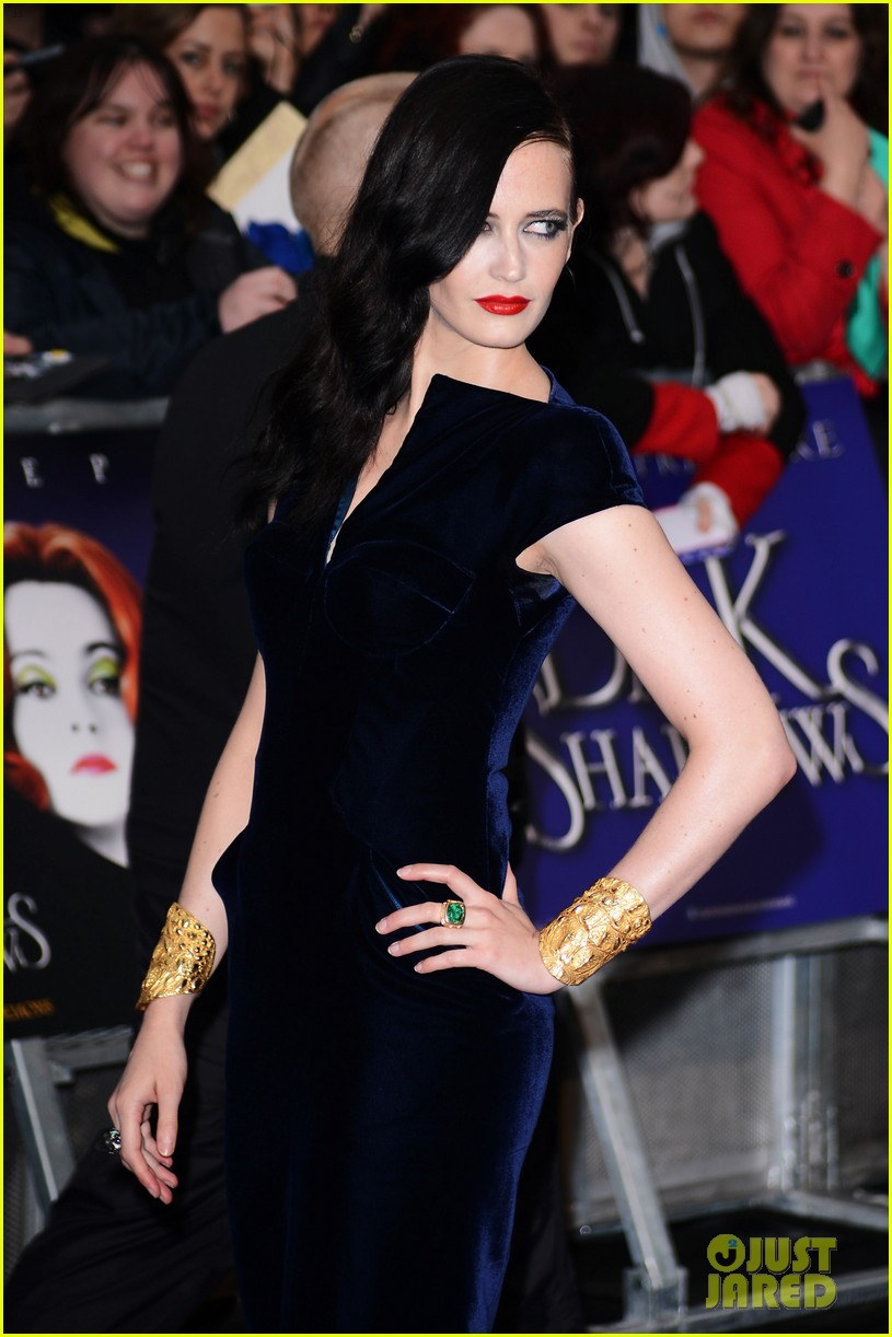 helena bonham carter bella heathcote eva green dark shadows uk premiere 022659621