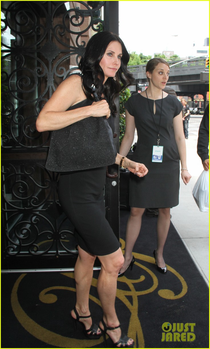 courteney cox tbs upfront 05