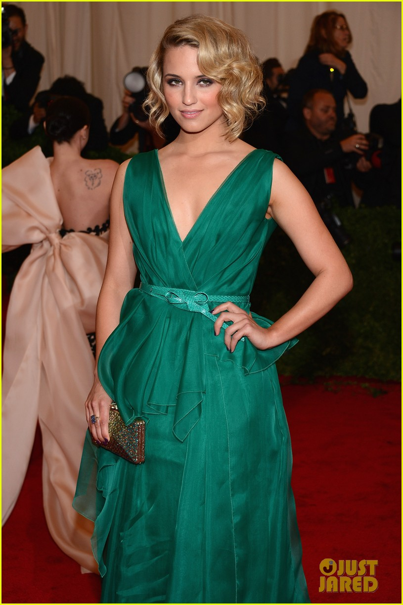 dianna agron 2012 met ball 05