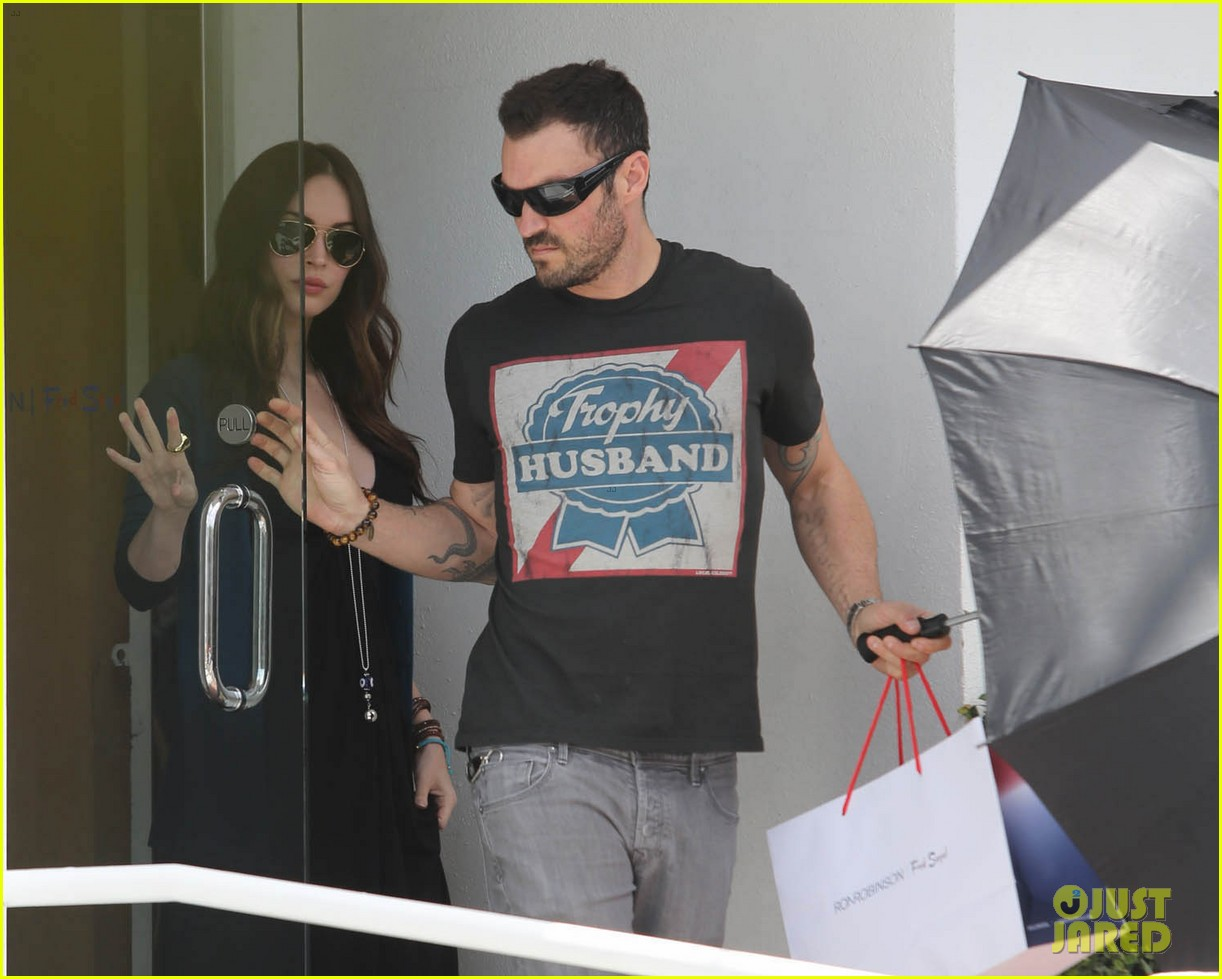 megan fox fred segal stop with brian austin green 06
