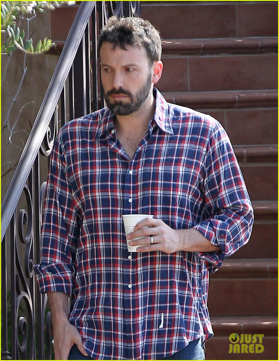 garner affleck saturday errands 062657473