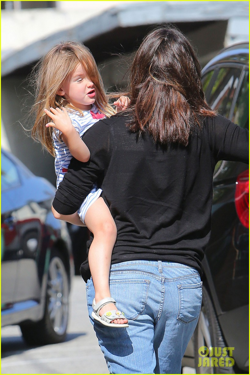 jennifer garner pasadena playtime 26