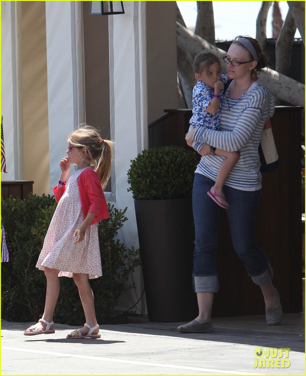 jennifer garner mommy duty 07