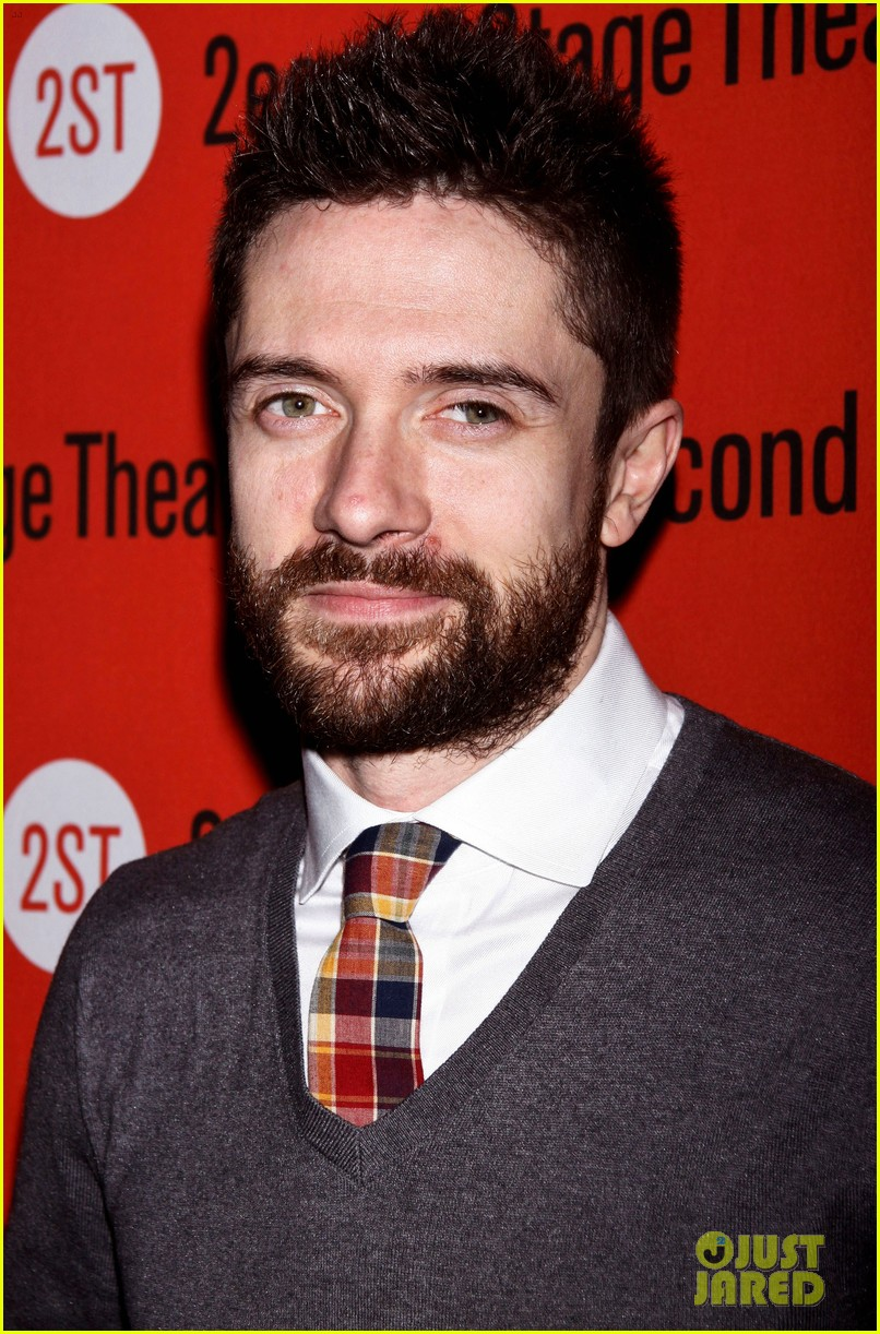 topher grace olivia thirlby lonely no more opening night 102659359