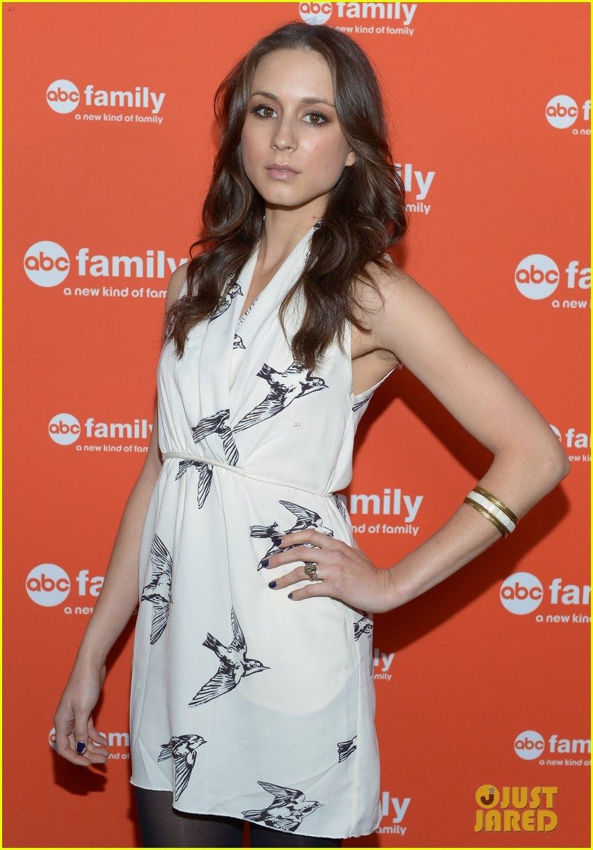 shailene woodley lucy hale abc family upfronts 042656289