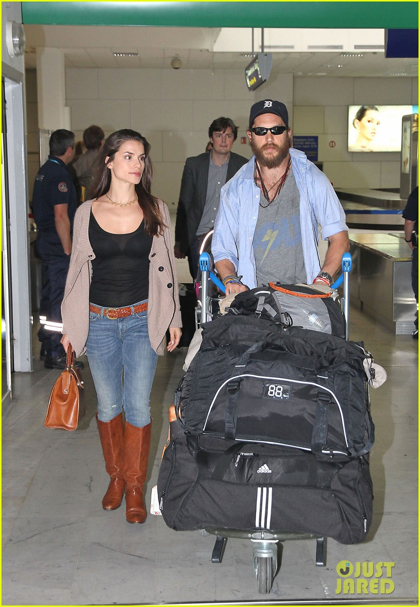 tom hardy charlotte riley cannes couple 01