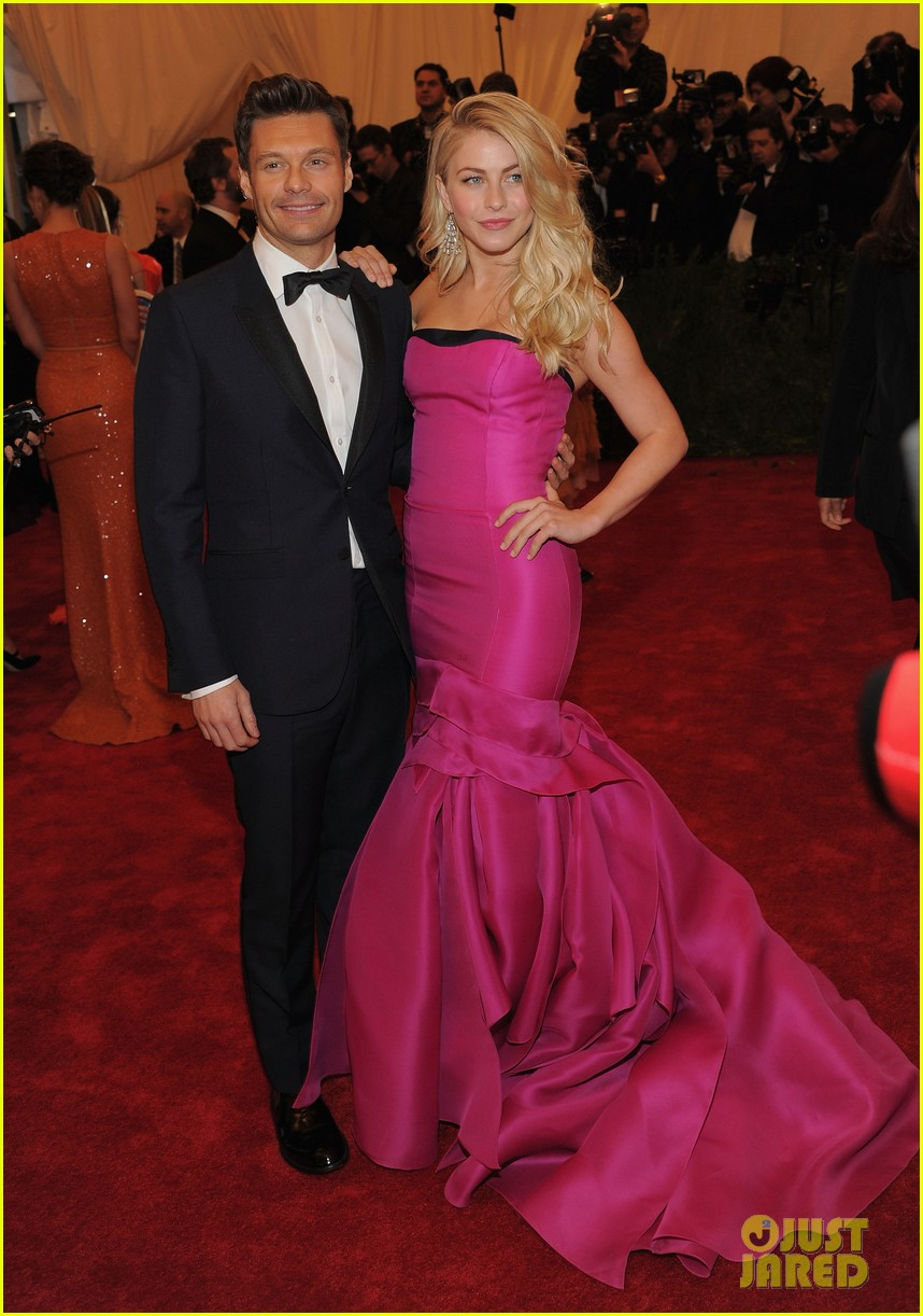julianne hough ryan seacrest 2012 met ball 01