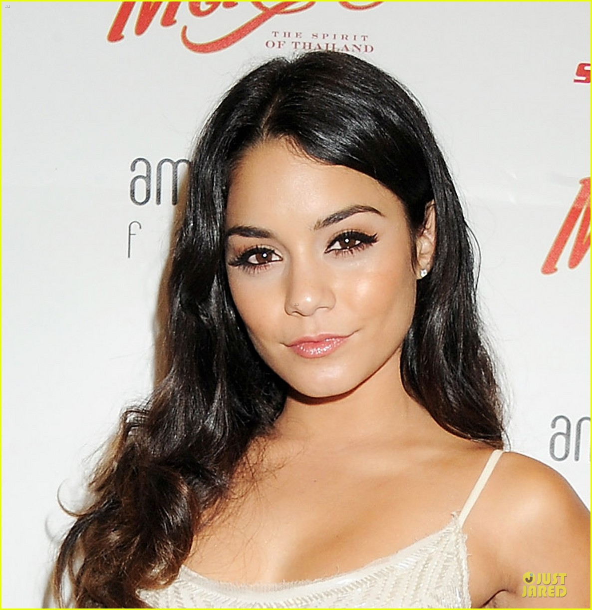 vanessa hudgens amber lounge fashion show 03