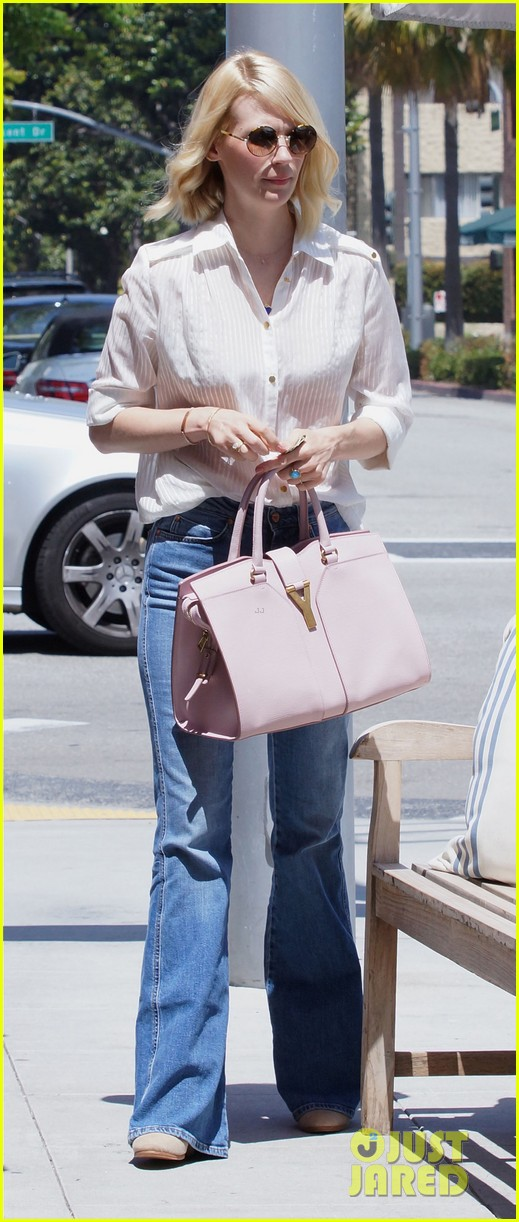 january jones lunch in bev hills 05