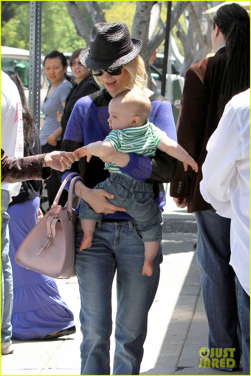 january jones lunch with xander 152660662