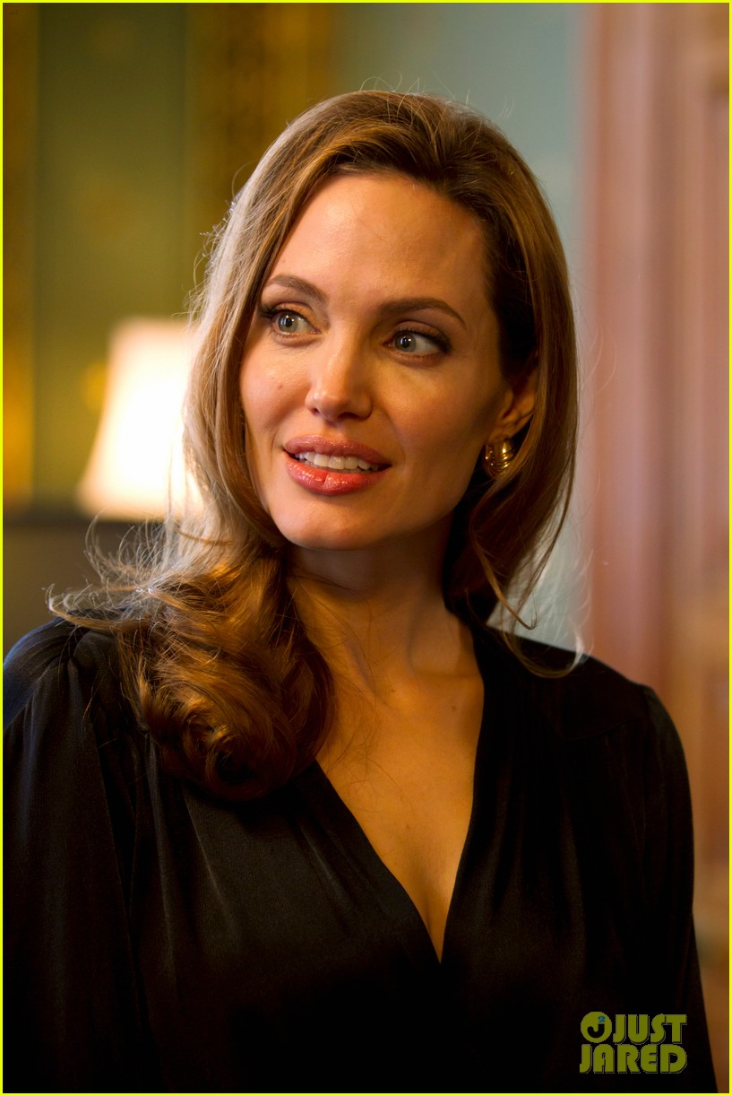 angelina jolie foreign commonwealth office 11