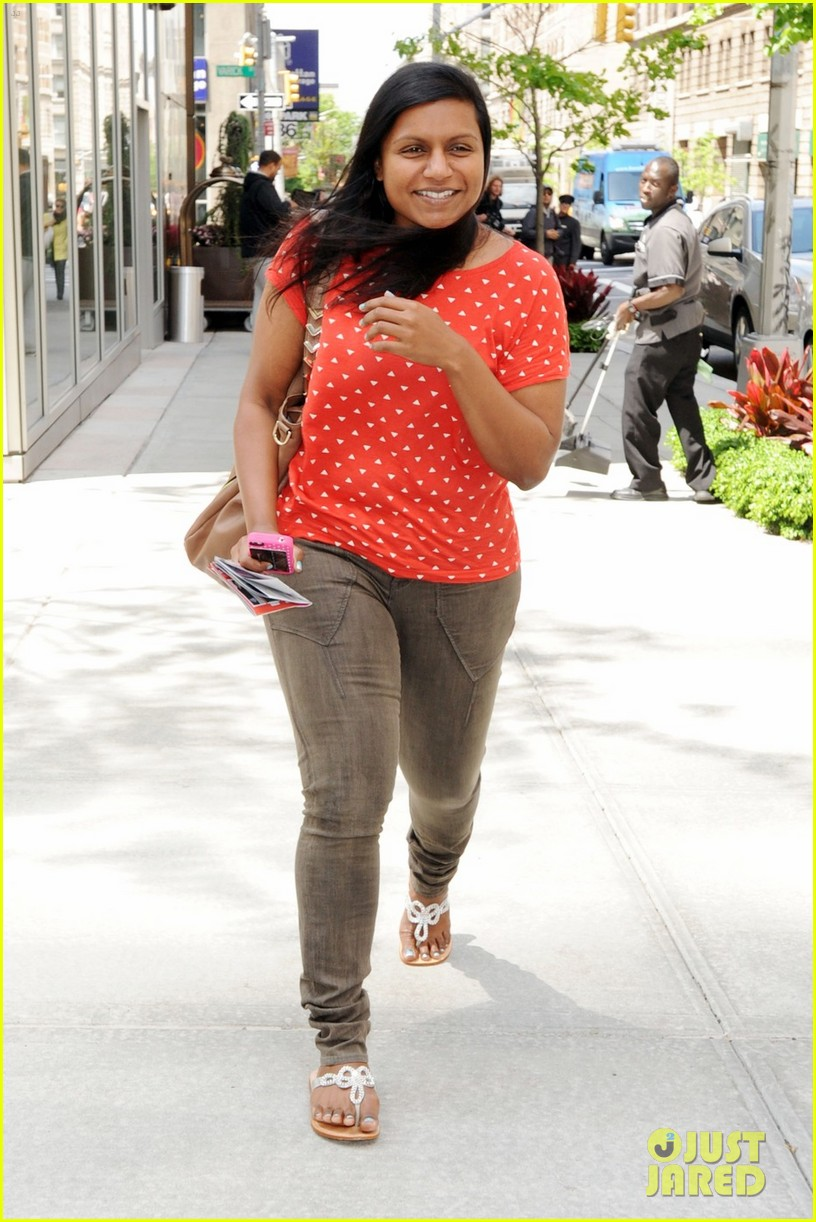mindy kaling makeup free 05