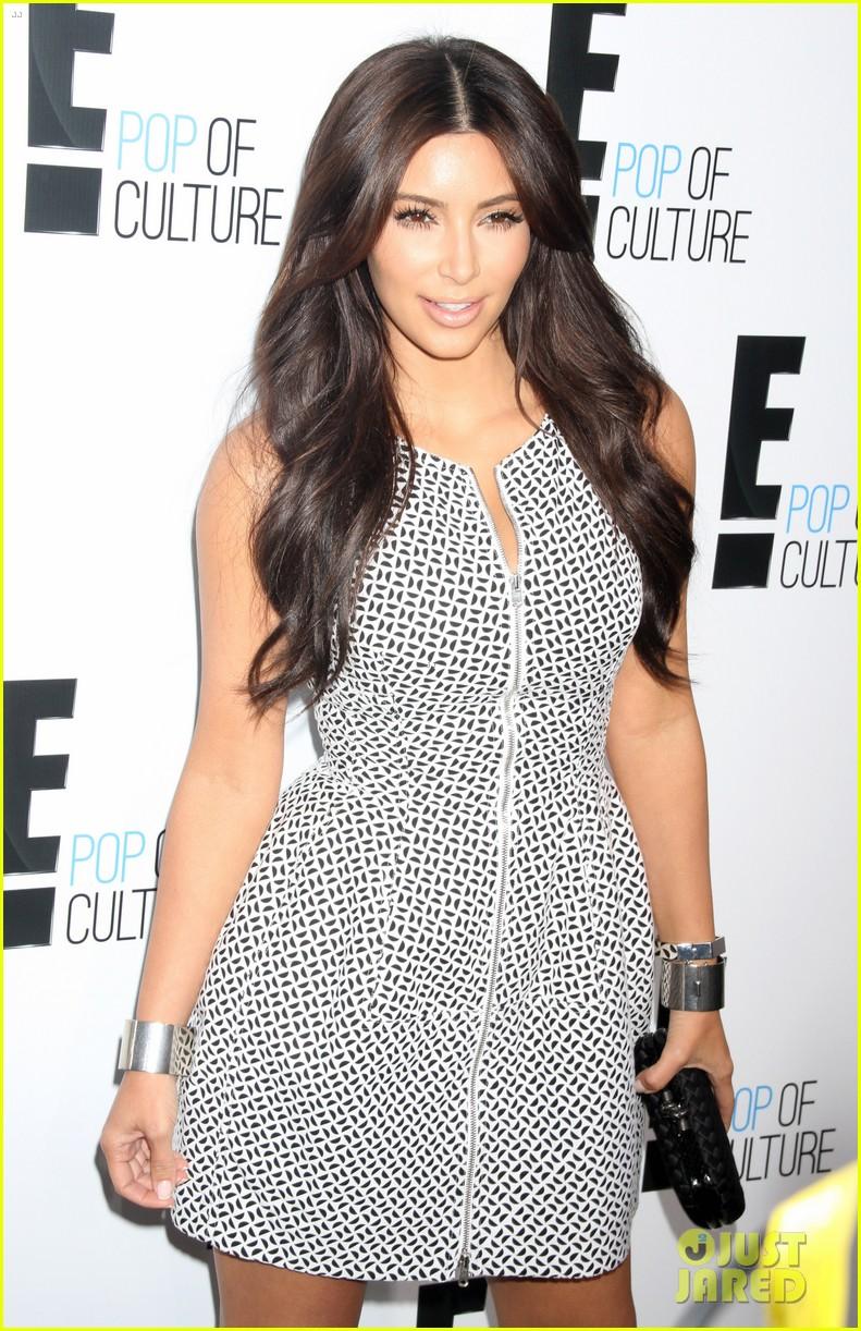kim kardashian kelly osbourne e upfronts 2012 08
