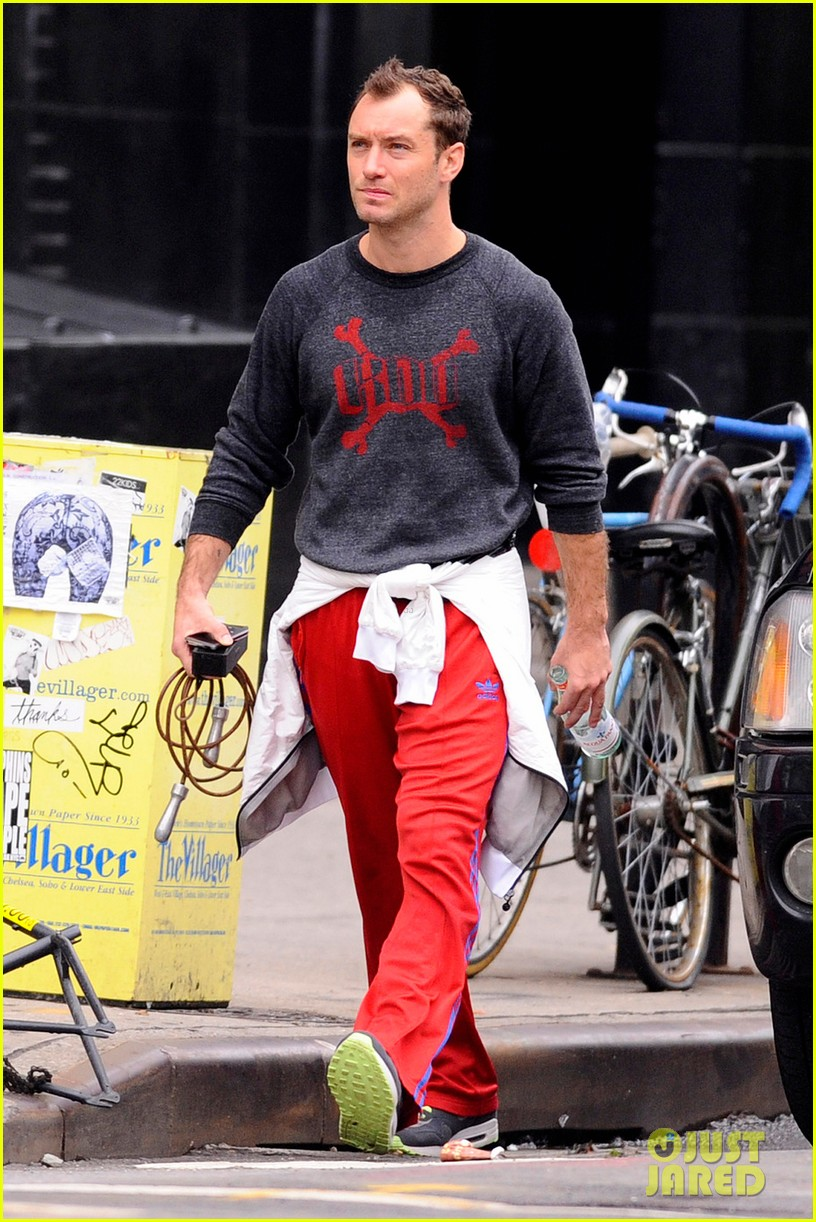 jude law workout red pants 032657225