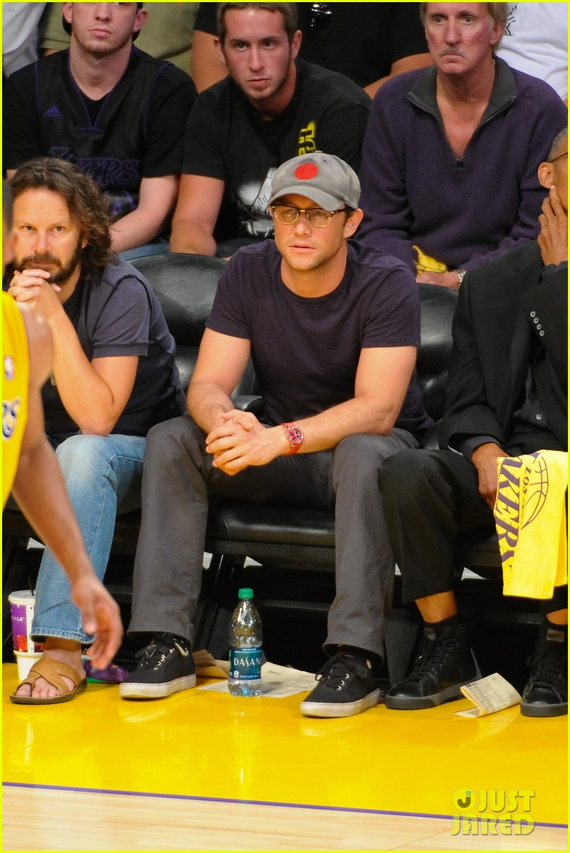 joseph gordon levitt lakers courtside tickets 01