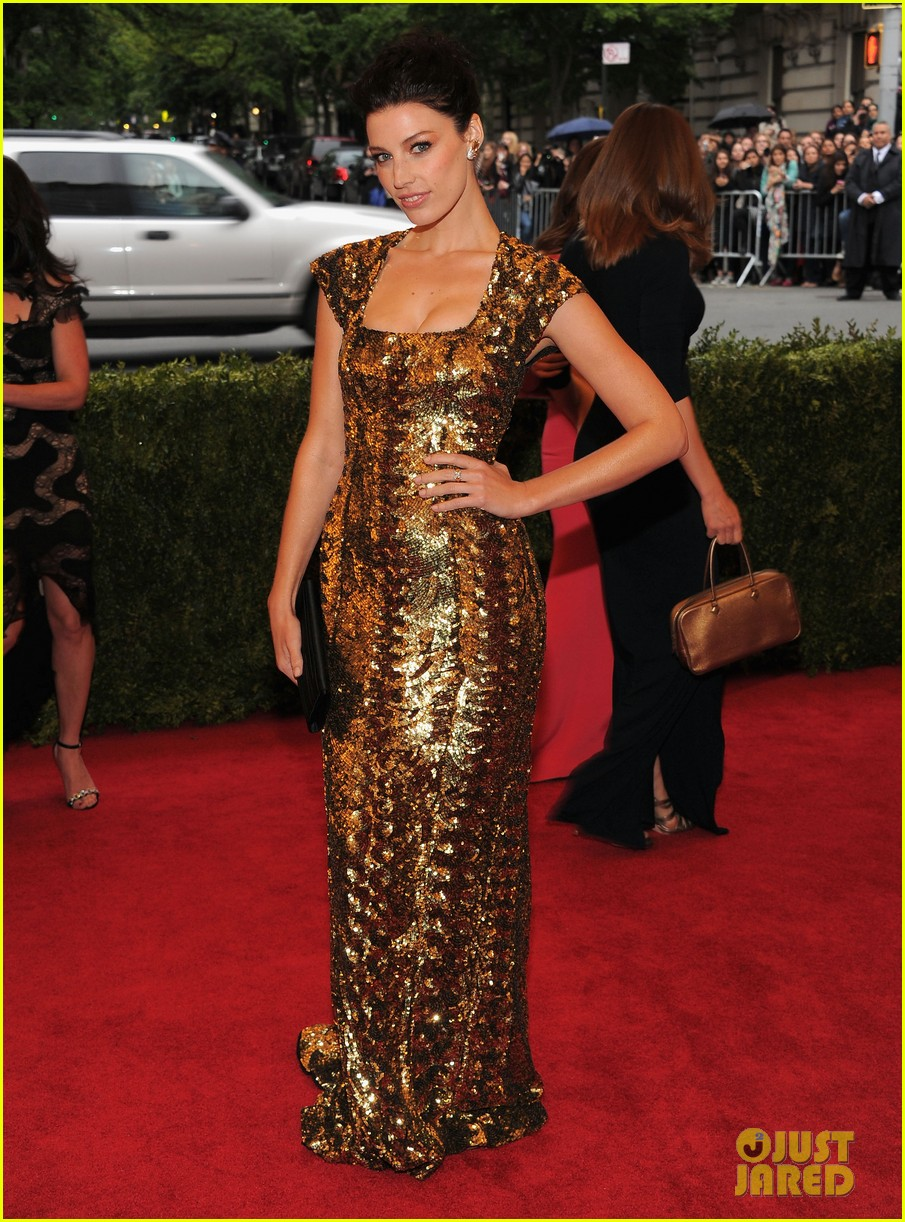 brit marling jessica pare met ball 2012 06
