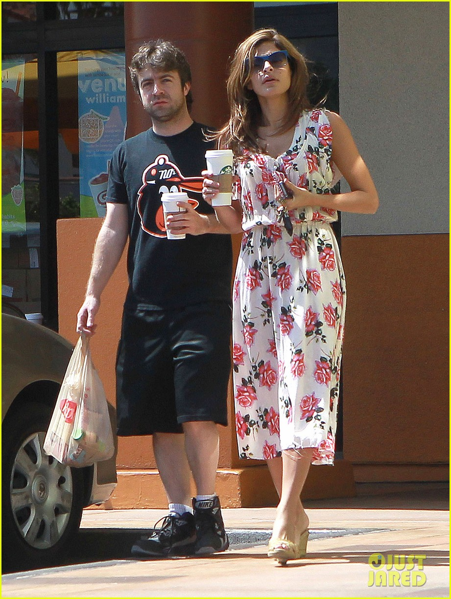eva mendes coffee 04