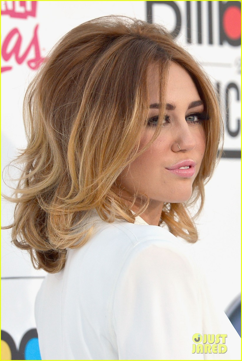 miley cyrus billboard awards 2012 012664710