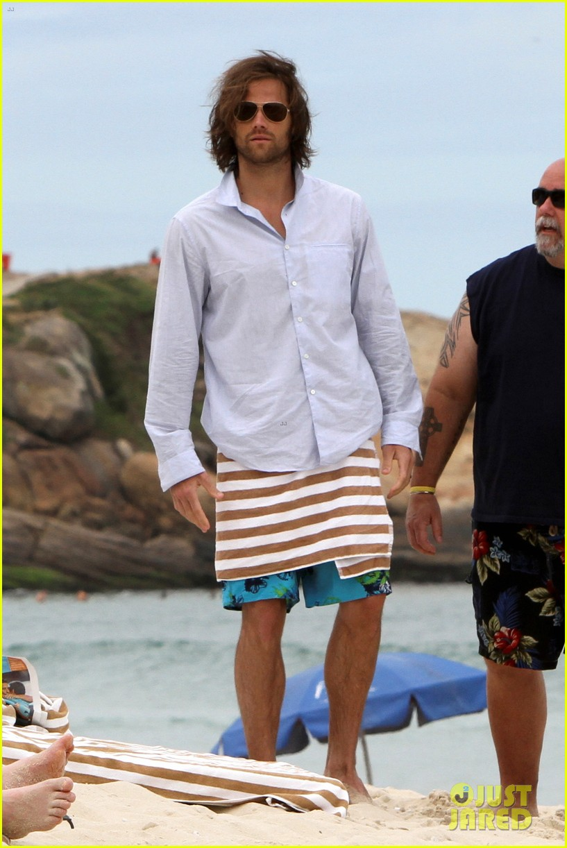 jared padalecki shirtless beach rio 19