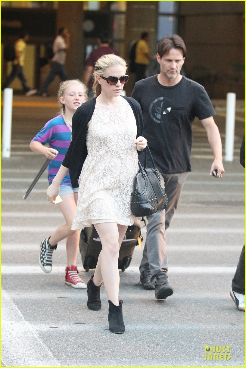 Full Sized Photo of anna paquin alexander skarsgard land ... Anna Paquin Dating