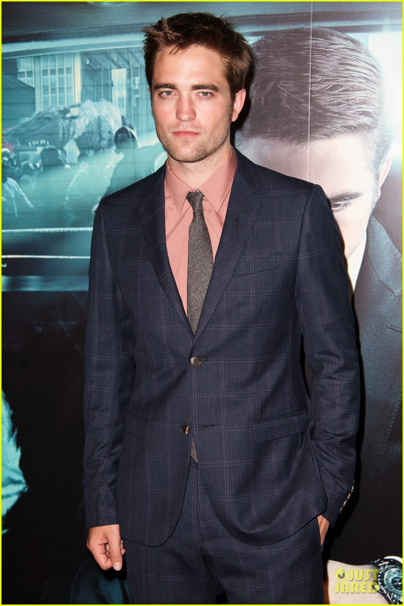 robert pattinson paris cosmopolis premiere 03