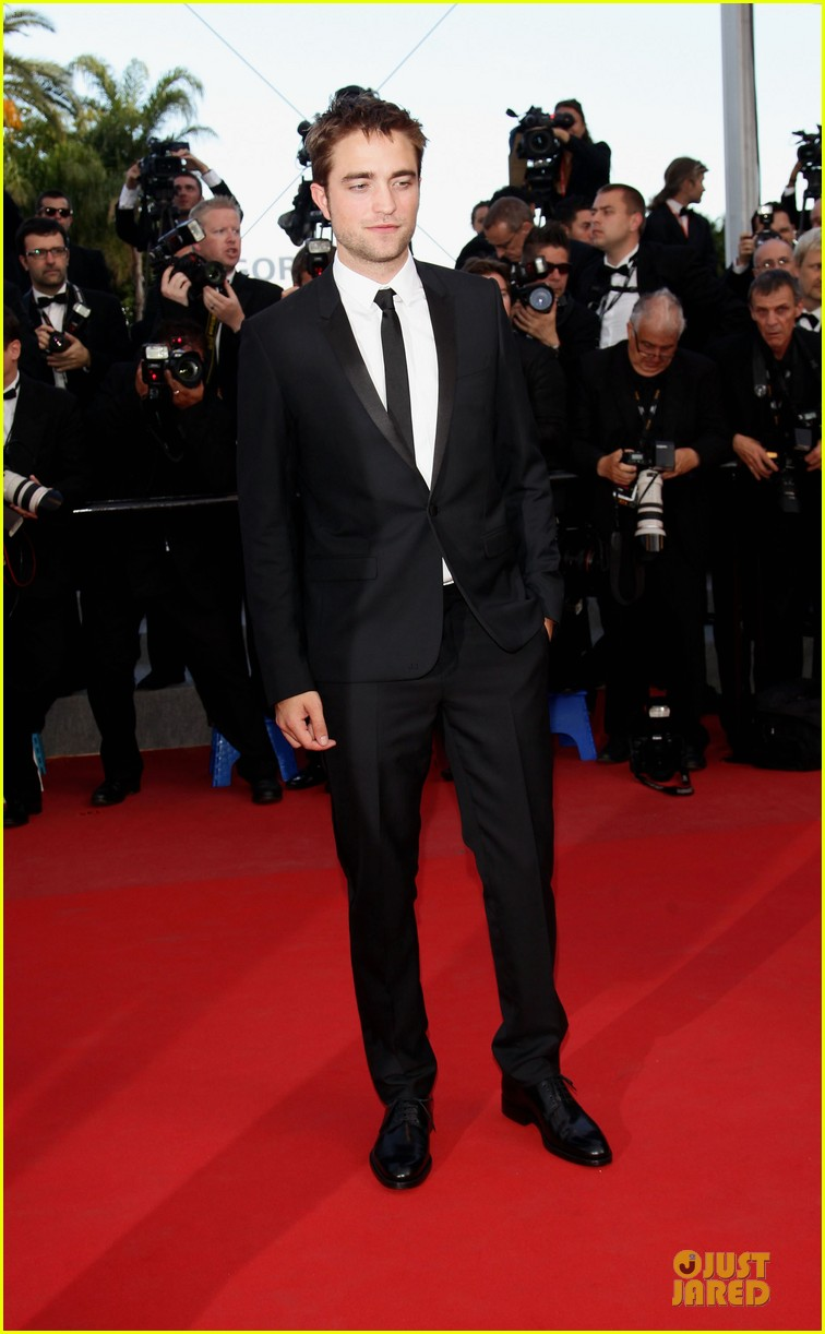 robert pattinson on road cannes premiere 04