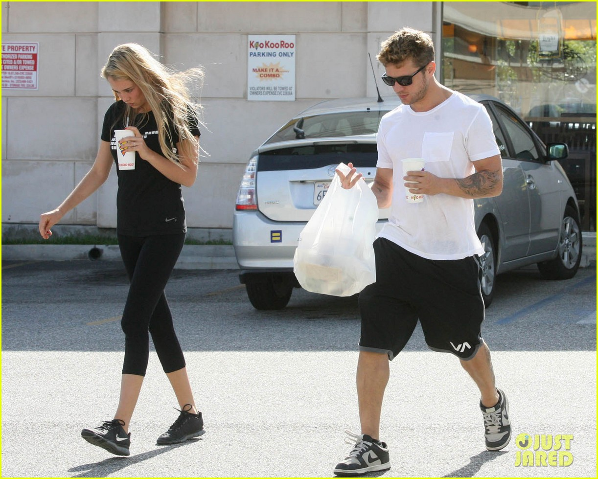 ryan phillippe paulina slagter coldplay lunch 04