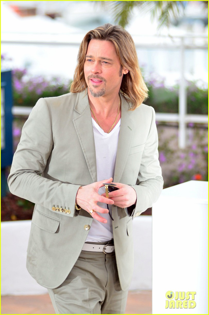 brad pitt cannes photocall 03