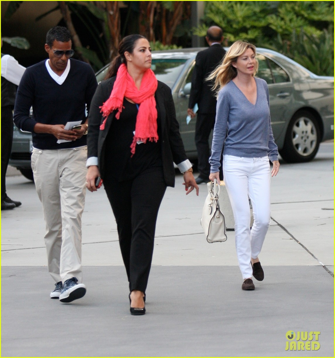 ellen pompeo books lakers 06