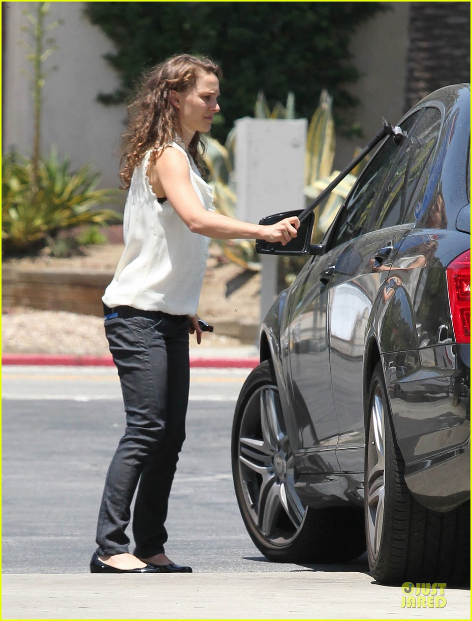 natalie portman windshield wiper 05