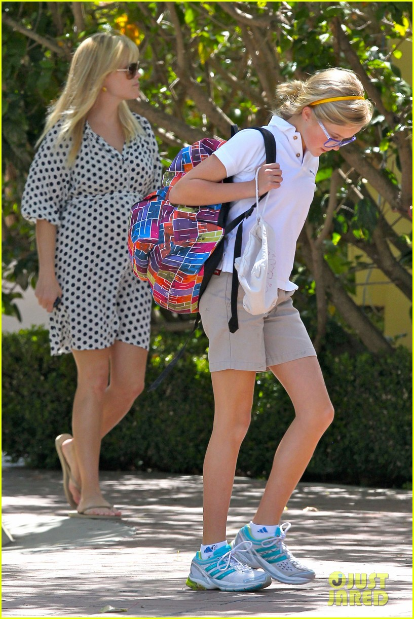 reese witherspoon brentwood school 16