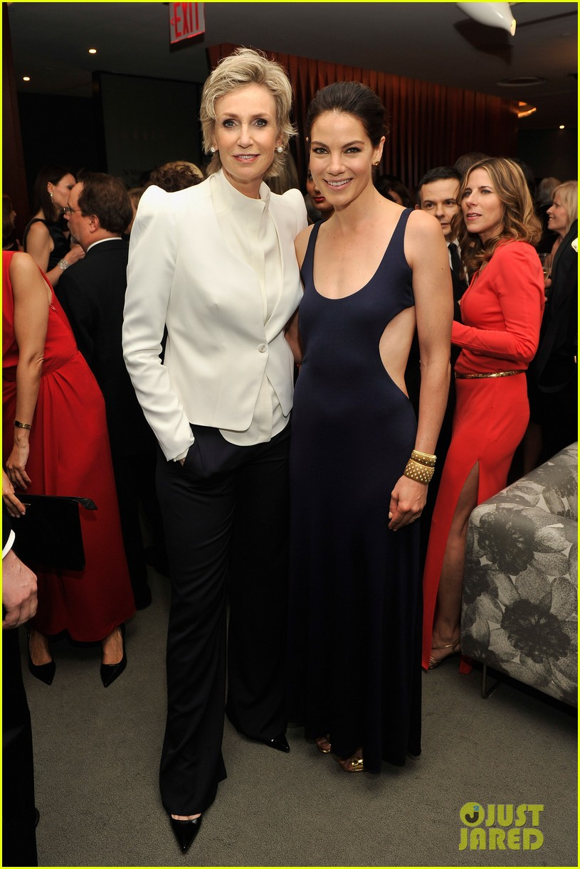 nicole richie fifi awards 2012 with michelle monaghan 012665220