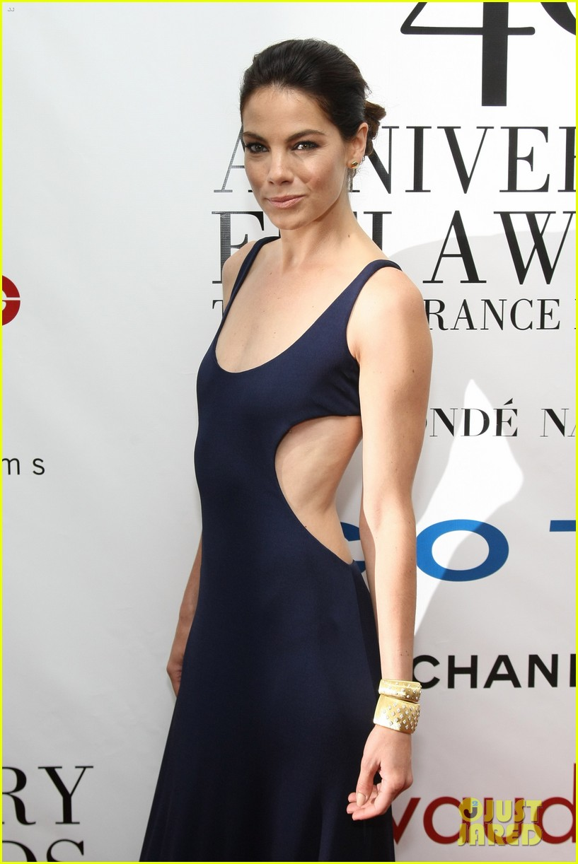 nicole richie fifi awards 2012 with michelle monaghan 06