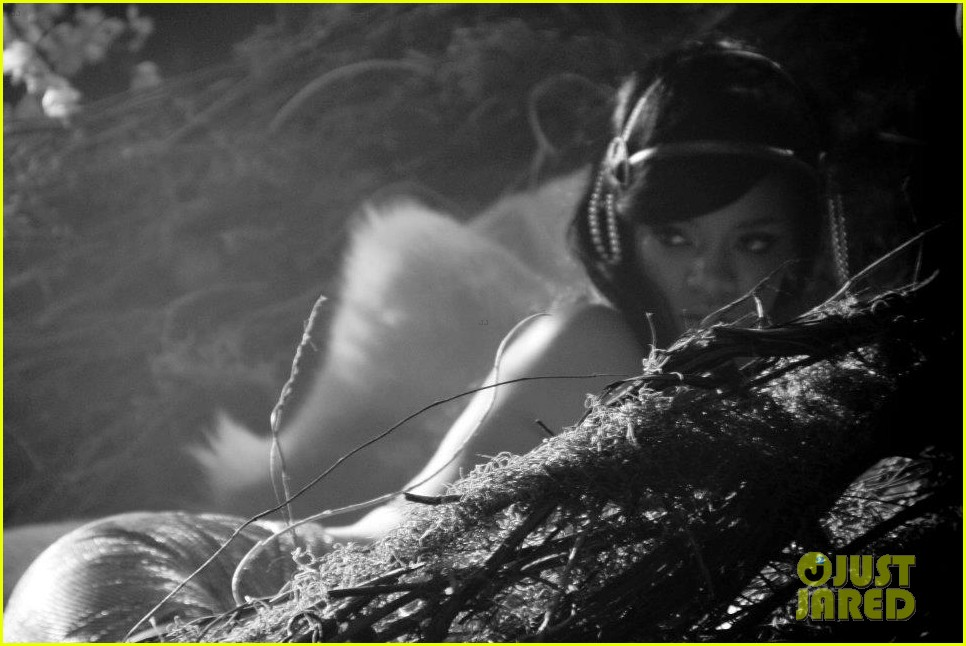 rihanna where have you been behind the scenes 178