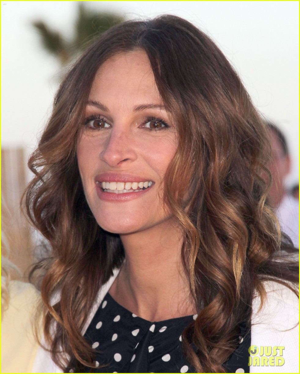 julia roberts heal the bay 12
