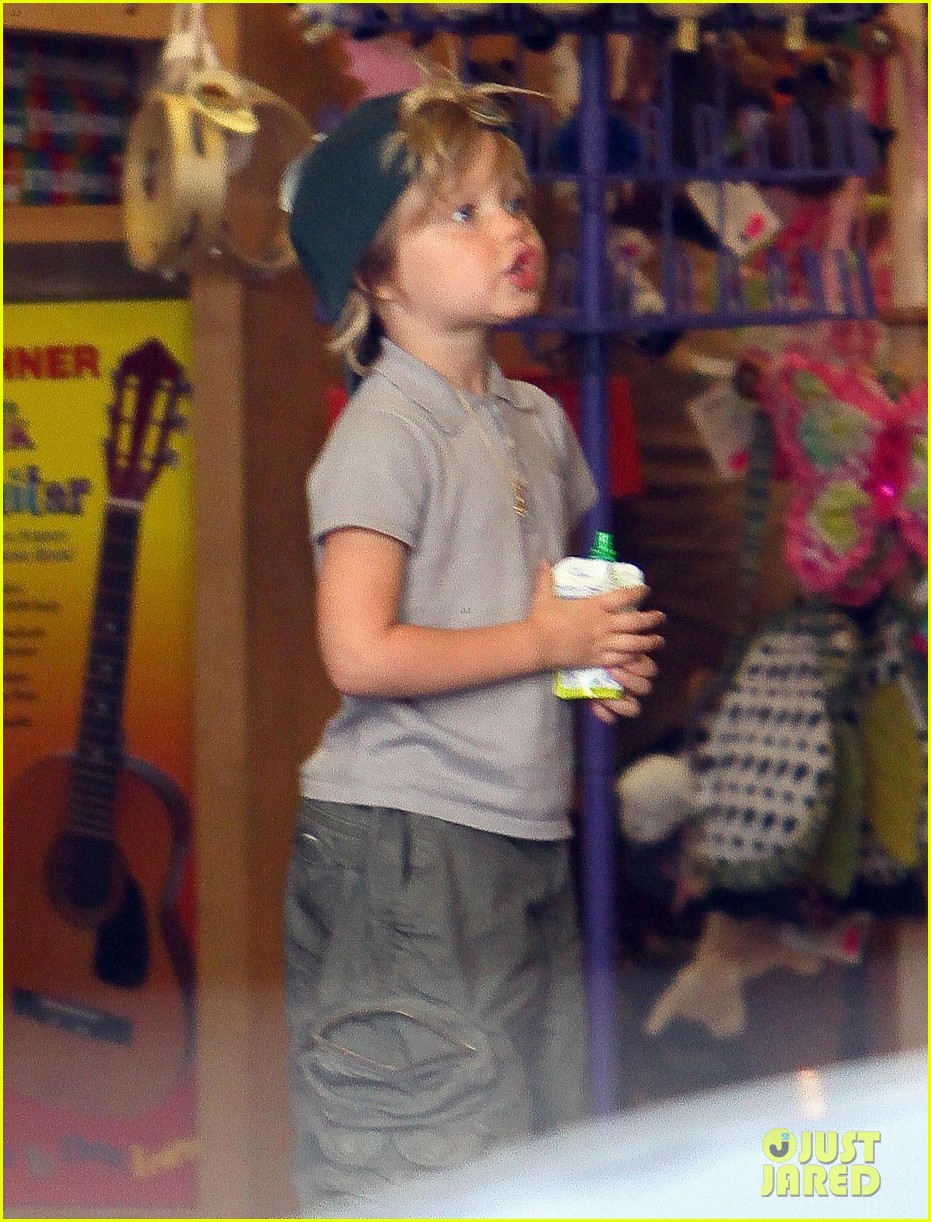 happy sixth birthday shiloh jolie pitt pictures through the years 21