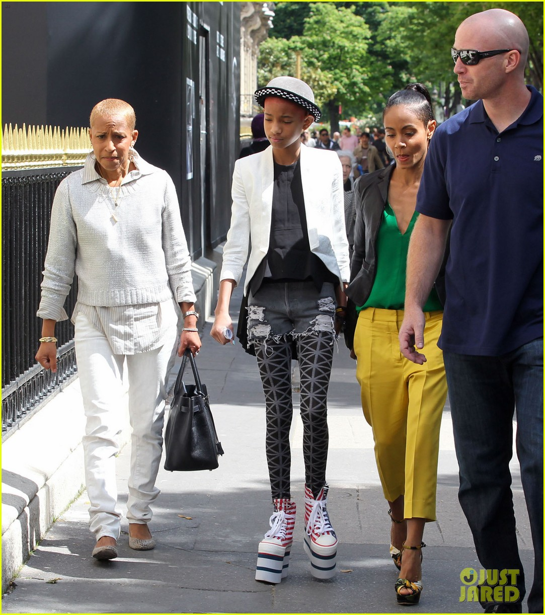 Willow Smith: Stars & Stripes Sky High Sneakers!: Photo 2661276 | Celebrity Babies, Jada Pinkett Smith, Will Smith, Willow Smith Pictures | Just Jared