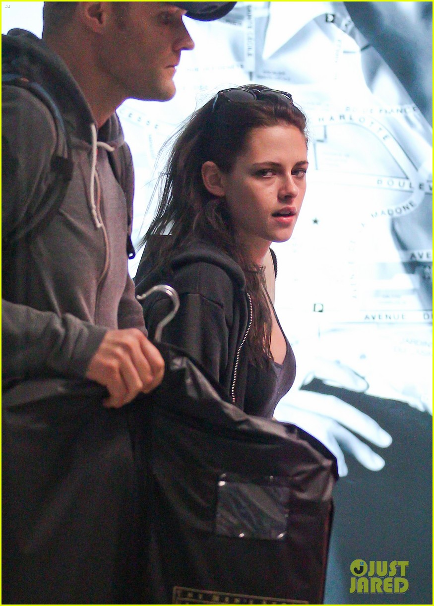 kristen stewart makes it to cannes 12