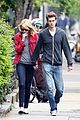 emma stone holding hands andrew garfield 05