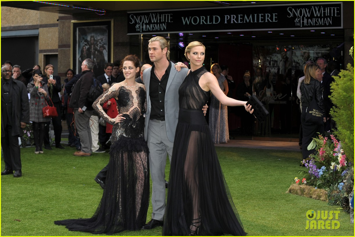 charlize theron kristen stewart snow white world premiere 052661892
