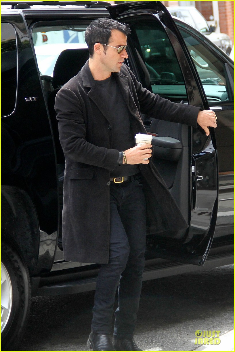justin theroux medical center 02