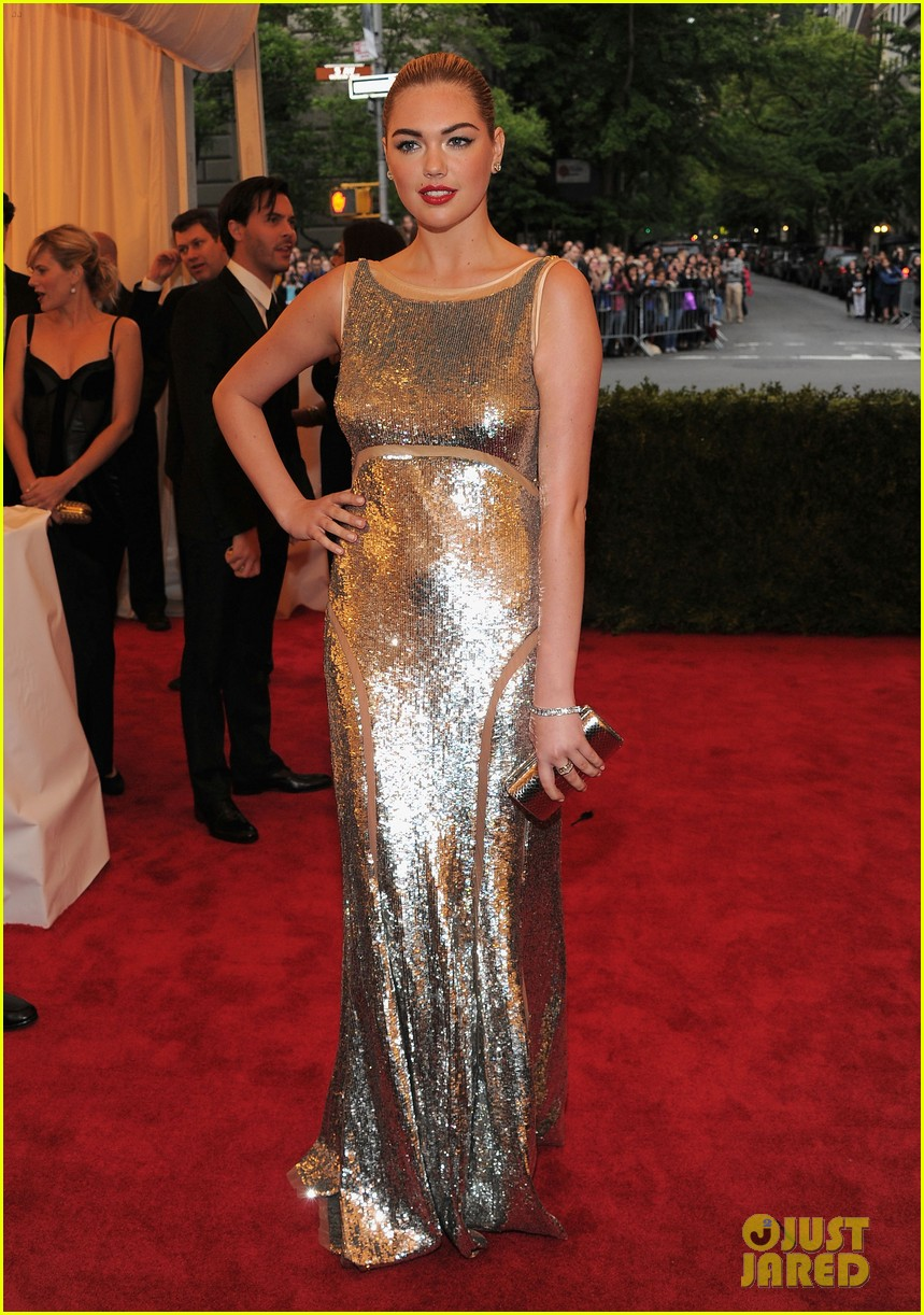 kate upton met ball 2012 05