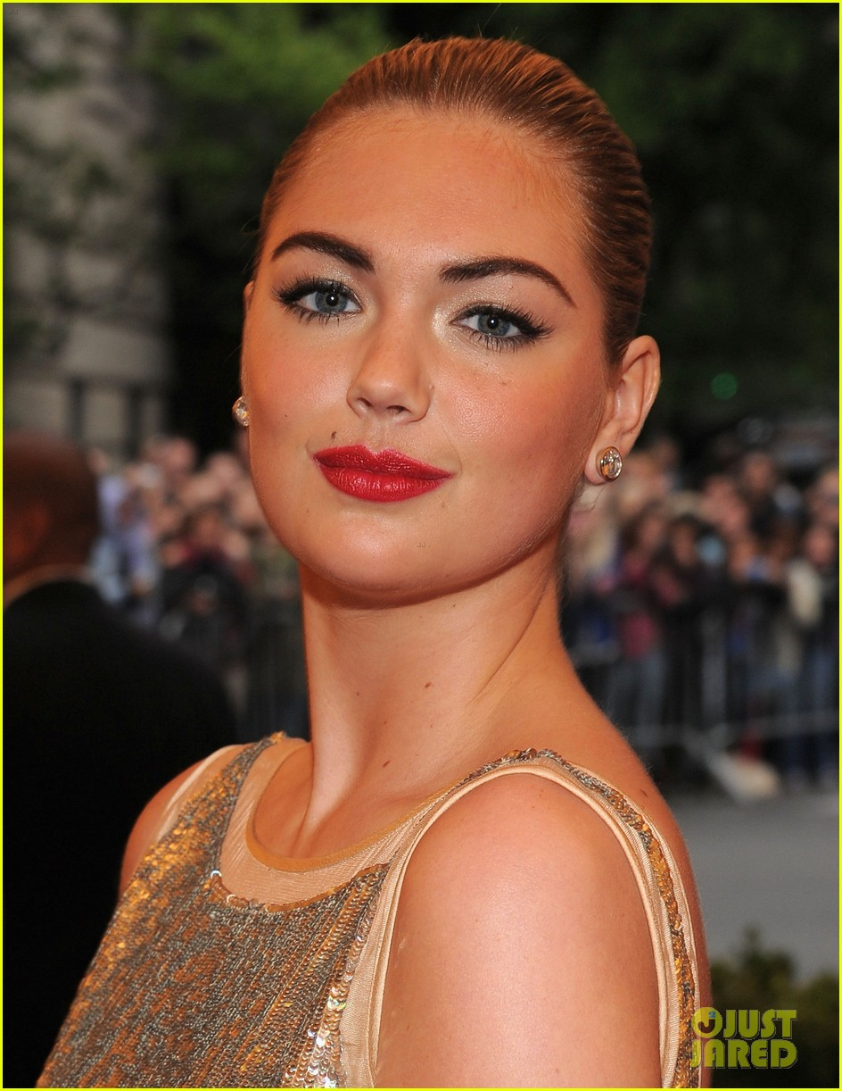 kate upton met ball 2012 09