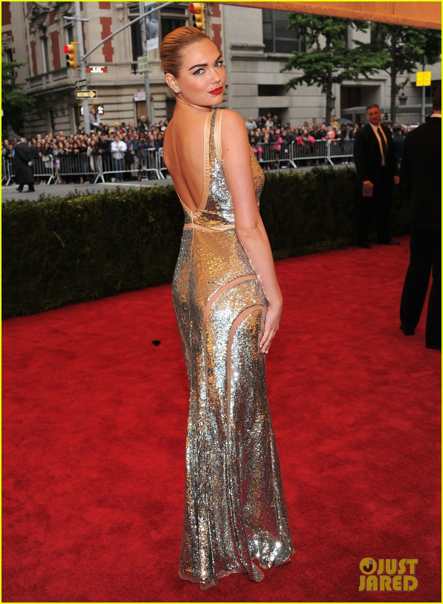 kate upton met ball 2012 10