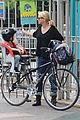 naomi watts park with fam 10