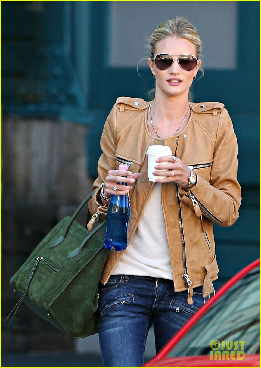 rosie huntington whiteley hello sunny sydney 03