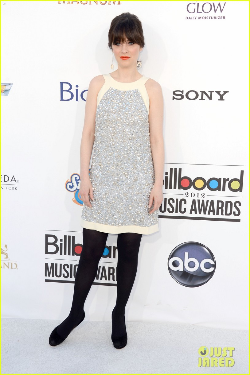 zooey deschanel billboard awards 2012 01